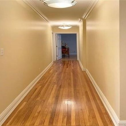 Rent this 3 bed condo on 178 Pinewood Road in Town of Greenburgh, NY 10530