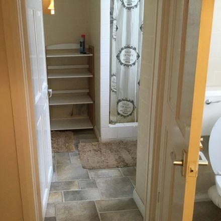 Rent this 4 bed room on Avenue Road in Gateshead NE8 4HY, United Kingdom