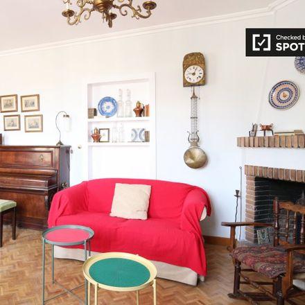 Rent this 4 bed apartment on Colegio Público San Ildefonso in Calle del Granado, 28001 Madrid