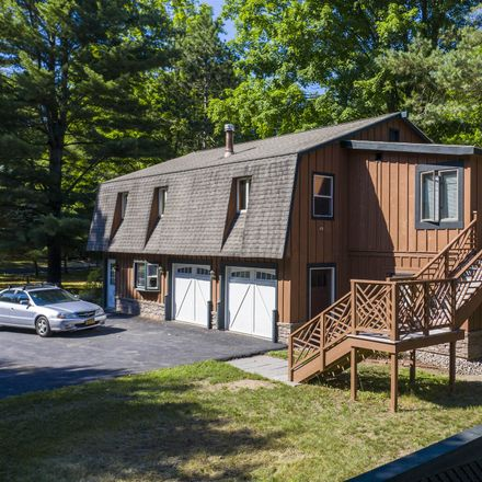 Rent this 4 bed house on Tomahawk Ln in Saratoga Springs, NY