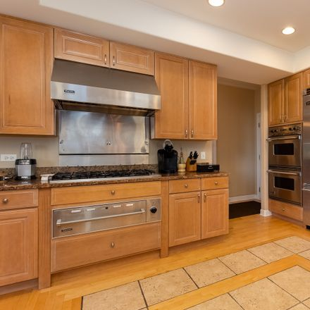 Rent this 6 bed house on Gladstone Dr in Naperville, IL