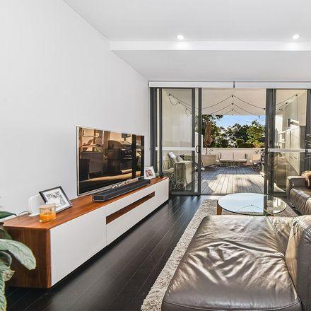 Rent this 2 bed apartment on Level 1/3 Meriton Street