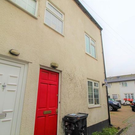 Rent this 2 bed house on 4 Oakfield Road in London CR0 2UA, United Kingdom
