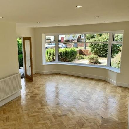 Rent this 3 bed house on Andrew's Walk in Heswall, CH60 3SD
