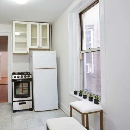 Rent this 1 bed condo on 326 East 73rd Street in New York, NY 10021