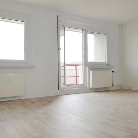 Rent this 3 bed apartment on Ringstraße 101 in 04209 Leipzig, Germany