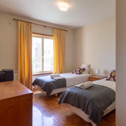 Rent this 2 bed room on Praceta Engenheiro José Adriano Moreira dos Santos in 4475-147 Cidade da Maia, Portugal