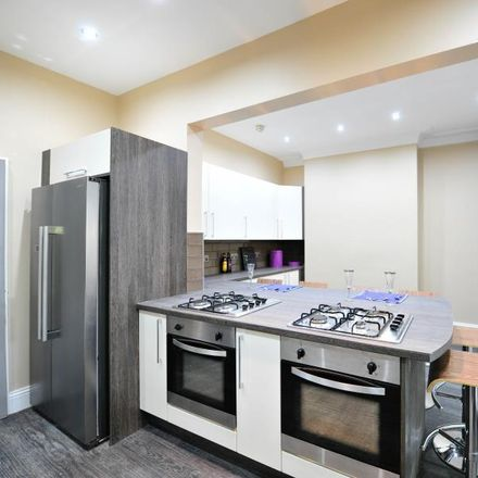 Rent this 6 bed room on New Headingley Club in 56 St. Michael's Road, Leeds LS6 3BG