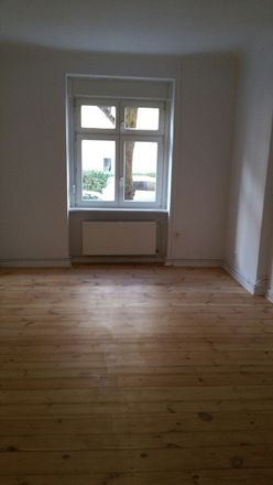 Rent this 2 bed apartment on Graacher Straße 6 in 13088 Berlin, Germany