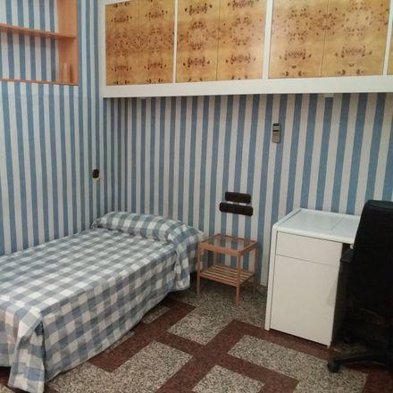 Rent this 4 bed room on Carrer de Sant Vicent Màrtir in València, Valencia