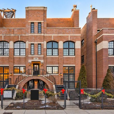 Rent this 3 bed condo on 1718-1720 West Superior Street in Chicago, IL 60622