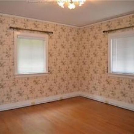 Rent this 3 bed house on 2952 Noyes Avenue in Charleston, WV 25304