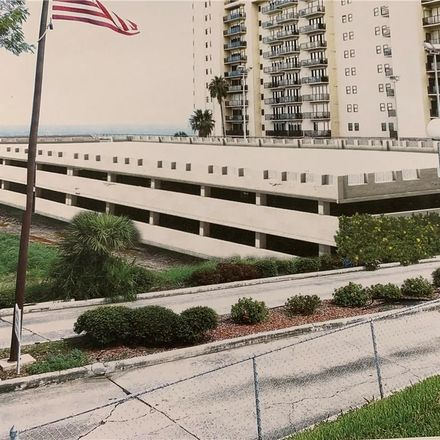 Rent this 2 bed apartment on 1400 Ocean Drive in Corpus Christi, TX 78404