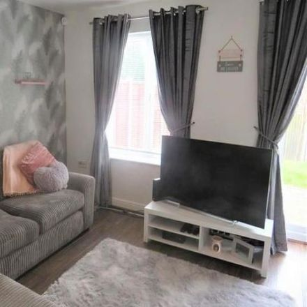 Rent this 2 bed house on Walsall WS10 8NB