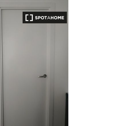 Rent this 2 bed apartment on Carrefour (Express) in Calle del Carmen, 28917 Leganés