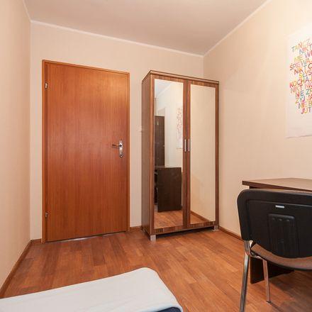 Rent this 4 bed room on Wojciecha Cybulskiego 24 in 50-205 Wroclaw, Poland