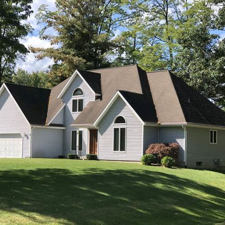 Rent this 3 bed house on 46 Cemetery Road in Town of Halfmoon, NY 12065