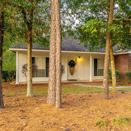 Rent this 3 bed house on 16 Jared Ln in Hattiesburg, MS