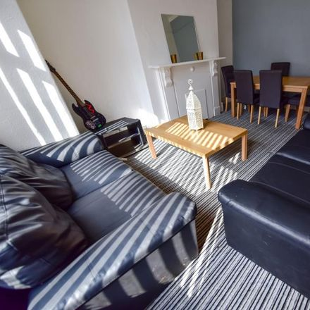Rent this 5 bed house on Back Chestnut Avenue in Leeds LS6 1AZ, United Kingdom