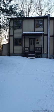 Rent this 2 bed house on 9 Skyline Drive in Town of Saugerties, NY 12477