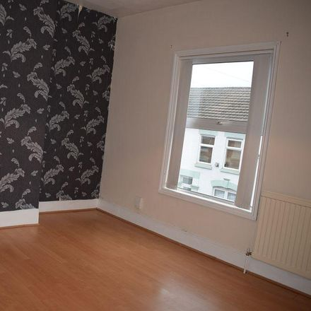 Rent this 3 bed house on Stanley Stores in 16 Stanley Street, Northampton NN2 6DD