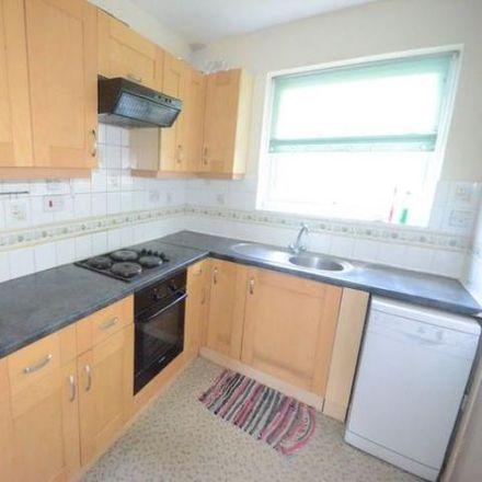 Rent this 2 bed apartment on Sandhurst Skate Park in Yorktown Road, Sandhurst GU47 9BS