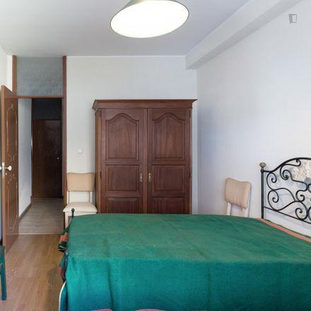 Rent this 3 bed room on Rua de Cunha Júnior in 4050-248 Cedofeita, Santo Ildefonso