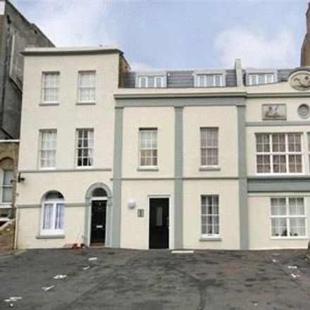 Rent this 2 bed apartment on applegreen in Camberwell Road, London SE5 0EE