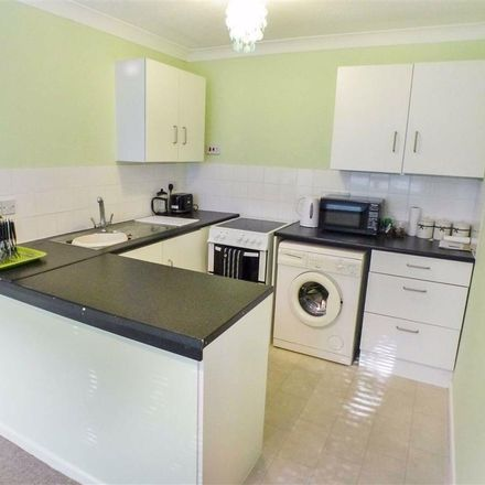 Rent this 2 bed apartment on Ongar Road in Brentwood CM15 9LR, United Kingdom
