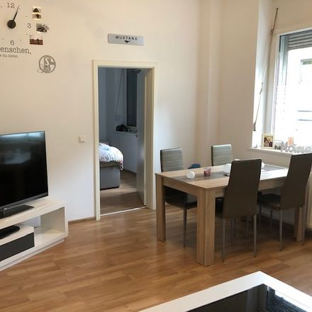 Rent this 3 bed apartment on Florastraße 51 in 47799 Krefeld, Germany