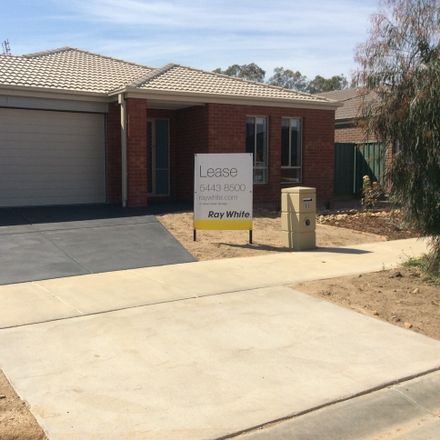 Rent this 4 bed house on 11 Caulfield Drive