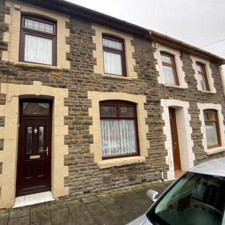 Rent this 3 bed house on Brynhyfryd Terrace in Ferndale CF43 4LA, United Kingdom