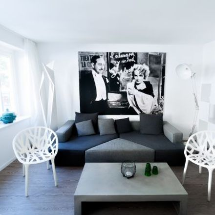 Rent this 3 bed apartment on Knochenhauerstraße 21 in 30159 Hanover, Germany