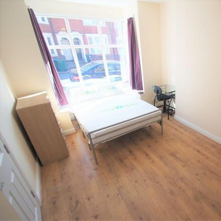 Rent this 4 bed house on Kingsway in Coventry CV2 4FE, United Kingdom