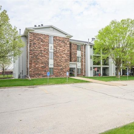 Rent this 2 bed apartment on 4805 86th Street in Urbandale, IA 50322