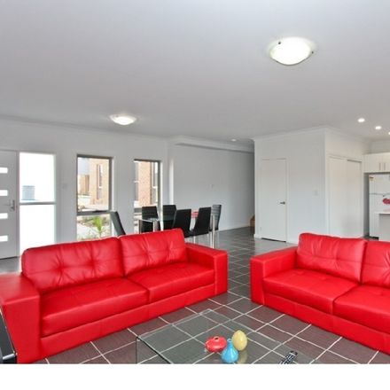 Rent this 1 bed townhouse on Room 1/5/10 Steel Street