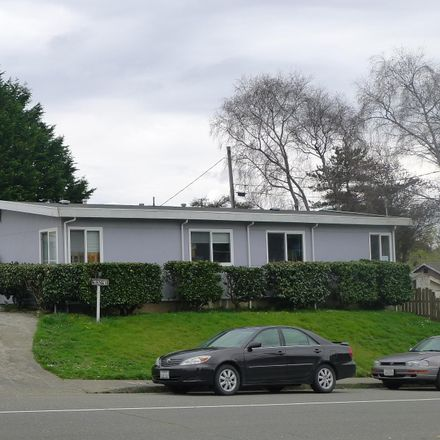 Rent this 10 bed apartment on 4132 F Street in Eureka, CA 95503