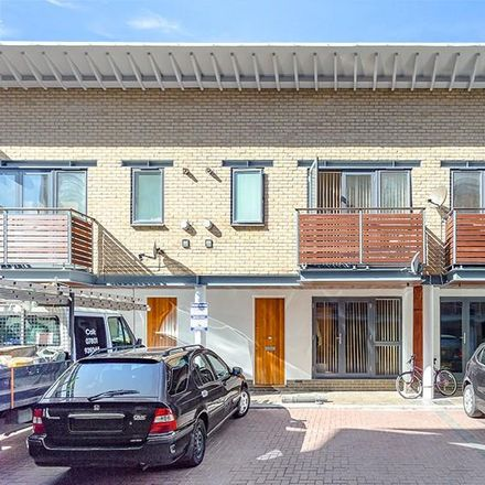 Rent this 2 bed house on LIDL in 71-73 Acre Lane, London SW2 5TN