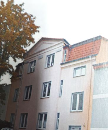 Rent this 2 bed apartment on Brehmestraße 4 in 99423 Weimar, Germany