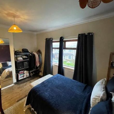 Rent this 3 bed house on Lincroft Crescent in Horsforth LS13 2JL, United Kingdom