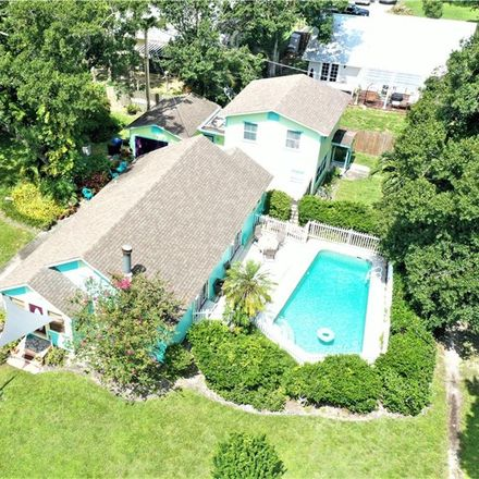 Rent this 4 bed house on 1523 30th Avenue in Vero Beach, FL 32960