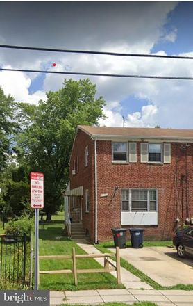 Rent this 3 bed townhouse on 6613 24th Place in Hyattsville, MD 20782