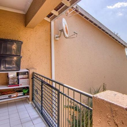 Rent this 2 bed apartment on 20 Kasper Street in Fontainebleau, Randburg