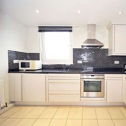 Rent this 1 bed apartment on The Parish Church of Saint Mary in St Paul's Court, London W14 9BW