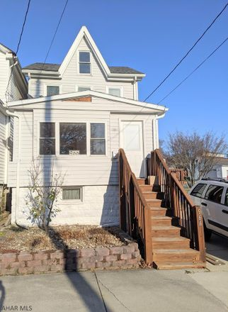 Rent this 3 bed house on 966 27th Street in Altoona, PA 16601