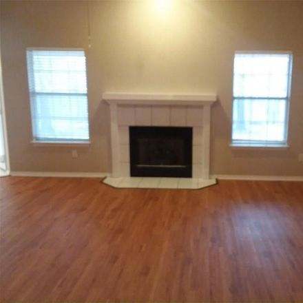 Rent this 3 bed house on Roxbury Way in Springdale, AR
