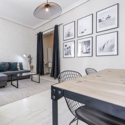 Rent this 2 bed apartment on Los Pinchitos in Calle de Los Madrazo, 7