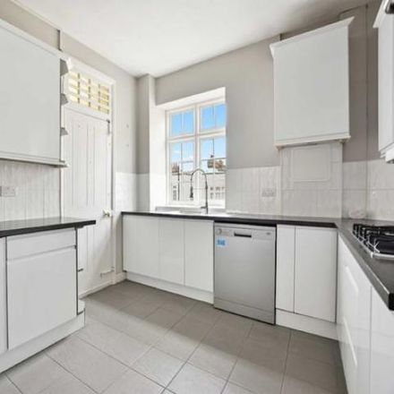 Rent this 5 bed apartment on 3;4;5 Blomfield Road in London W9 1AB, United Kingdom