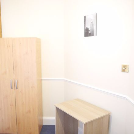 Rent this 5 bed room on North Circular Road in London NW10 0UR, United Kingdom