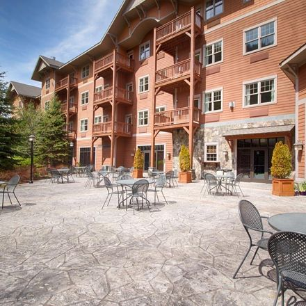 Rent this 1 bed condo on Hunter